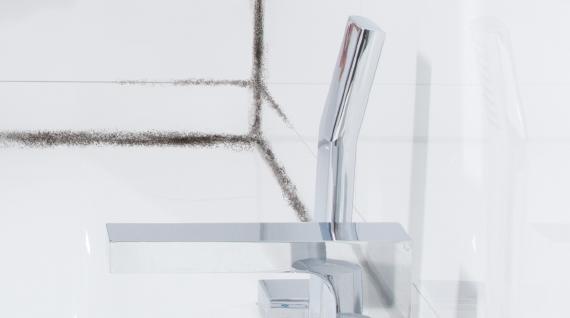 des moisissures dans la salle de bain conseils pour. Black Bedroom Furniture Sets. Home Design Ideas