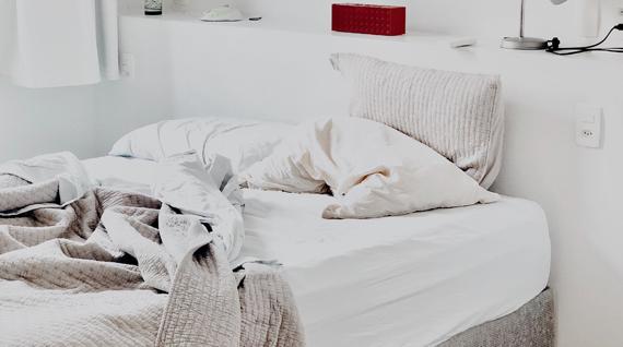 votre matelas sent le moisi conseils pour un matelas frais. Black Bedroom Furniture Sets. Home Design Ideas